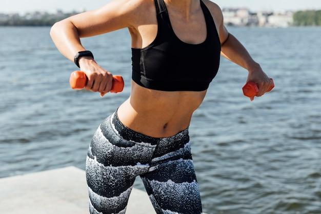 Tiro médio, de, treinamento peso mulher,
