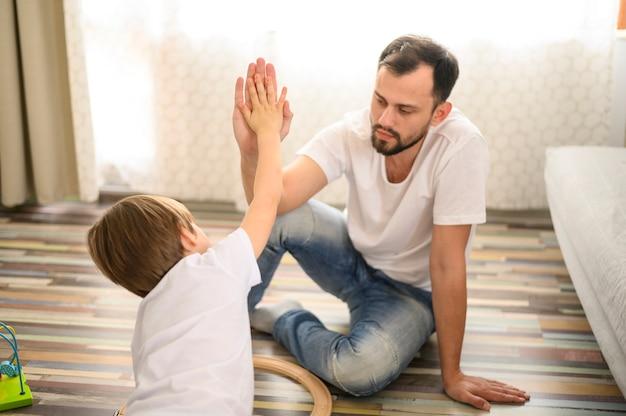 Tiro médio pai e filho mais cinco