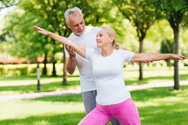 Tiro médio, pessoas, exercitar, junto