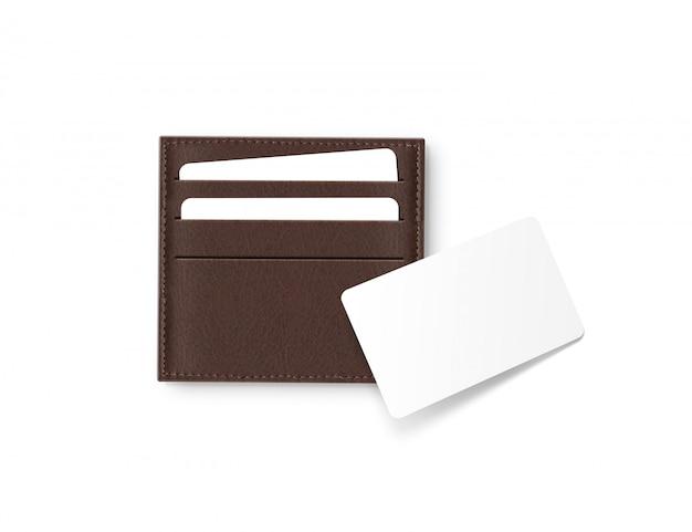 Titular de cartões de couro marrom com cartão branco em branco simulado acima