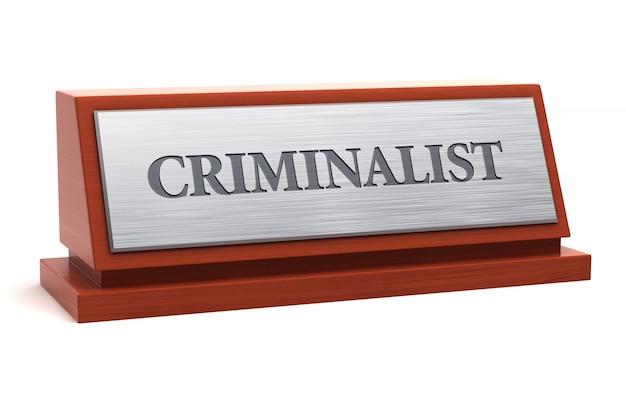 Título do trabalho criminalista na placa de identificação