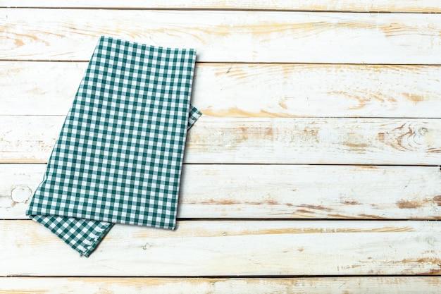 Toalha de mesa têxtil em madeira