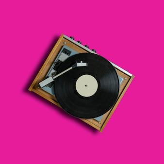Toca-discos vintage de toca-discos em rosa