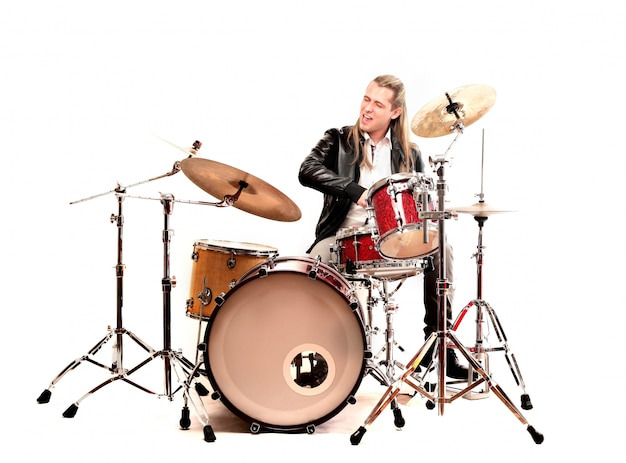 Tocador de tambor em solo