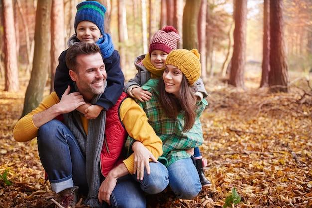 Todos nós amamos uma boa caminhada na floresta!