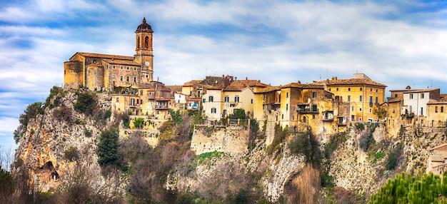 Toffia, vila no topo da colina (séries de belas aldeias da itália)