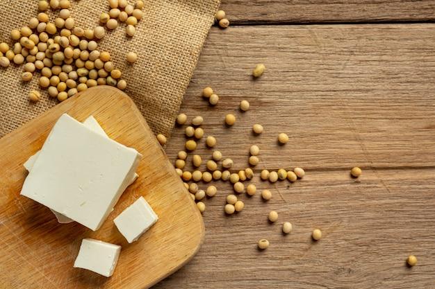 Tofu feito de soja conceito de nutrição alimentar.
