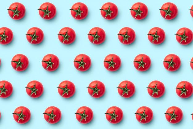 Tomate cereja em azul