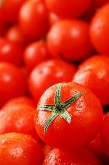 Tomate cereja fresco