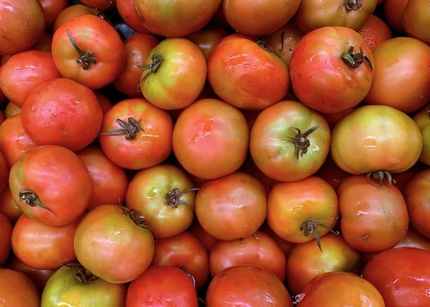 Tomates frescos, vista superior de alimentos saudáveis