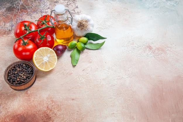 Tomates frutas cítricas tomates cebola alho limão pimenta preta
