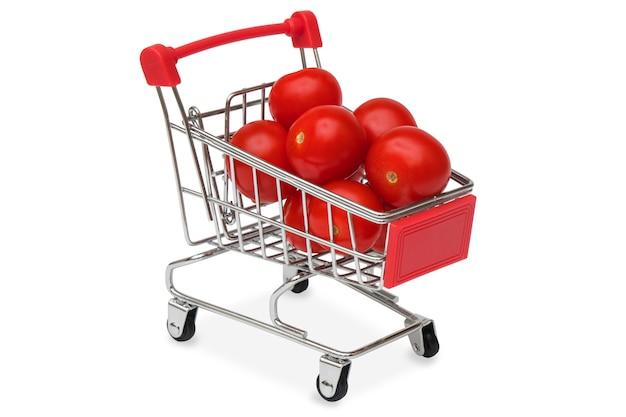 Tomates vermelhos em um carrinho de supermercado