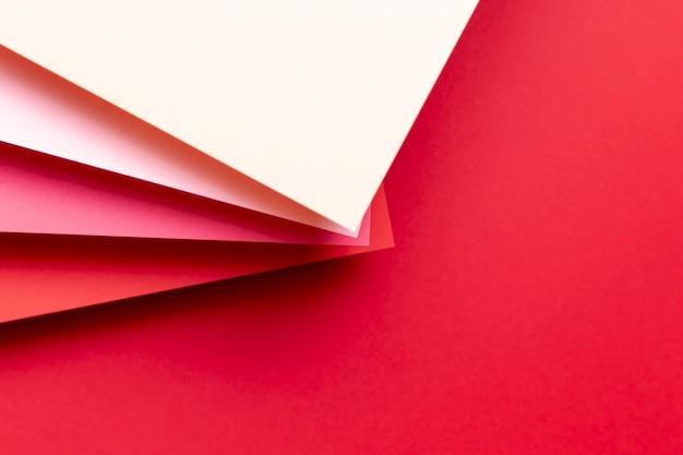 Tons de vista superior de padrões vermelhos