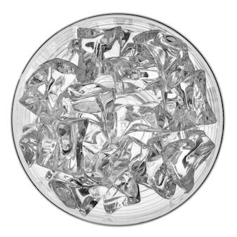 Top shot cubos de gelo com vidro isolado no branco.