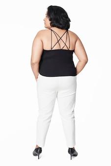 Top size preto regata e calças brancas de corpo inteiro moda feminina