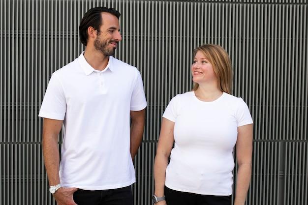 Tops brancos básicos de roupas de moda masculina e feminina