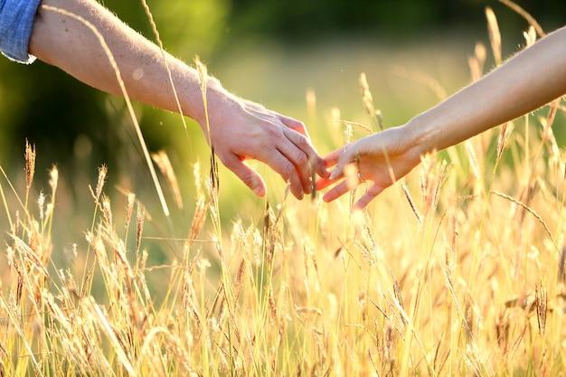 Toque amoroso das mãos