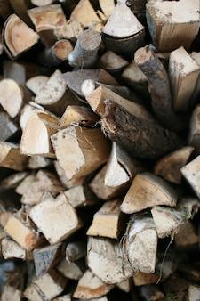 Toras de madeira empilhadas