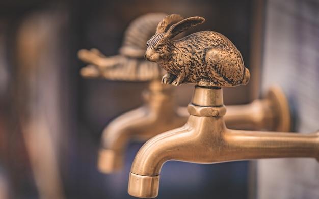 Torneira de água animal de latão decorativo