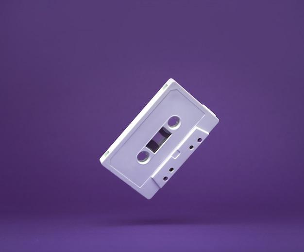 Torneira de gaveta audio branca do vintage. velha fita cassete. cassete de áudio.