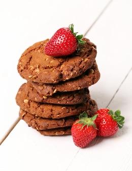Torre de biscoitos de aveia e frutas