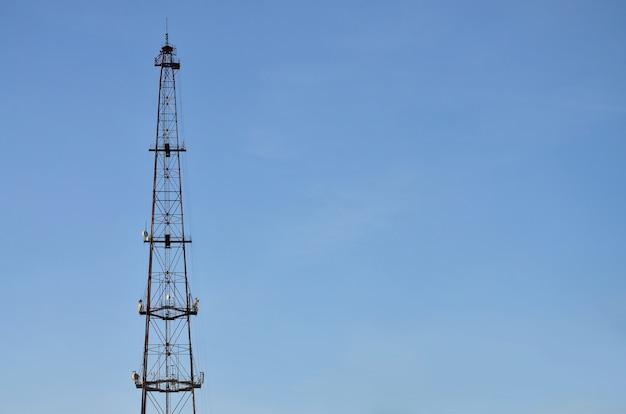 Torre de comunicações de rádio