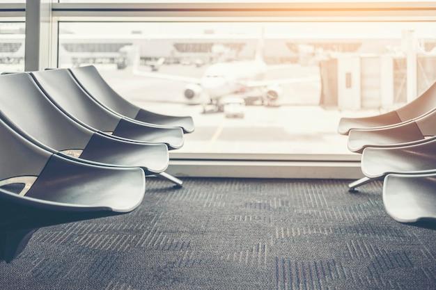 Torre de controle de partida internacional do aeroporto