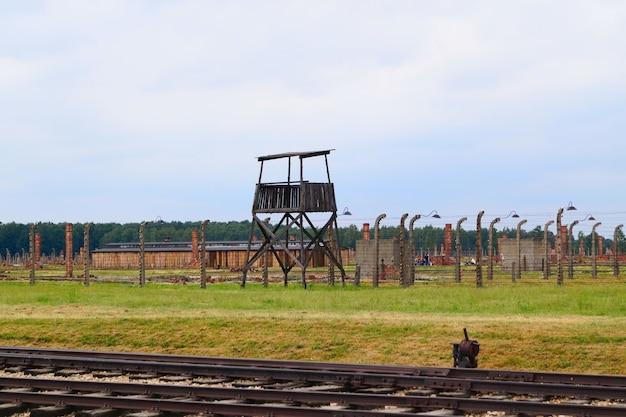 Torre de observação para segurança campo de concentração nazista de birkenau, polônia