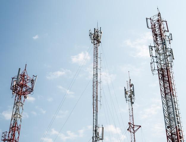 Torre de telecomunicações.