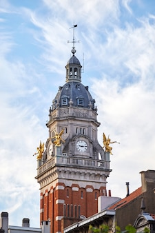 Torre do relógio no município de saint-gilles