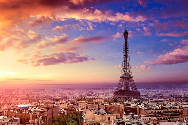 Torre eiffel de paris e a frança de horizonte aéreo