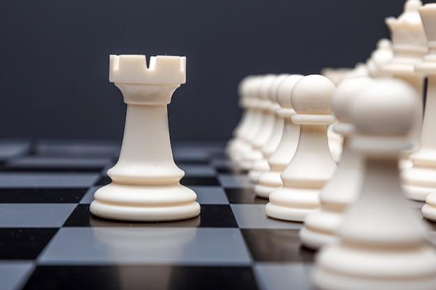 Torre em um tabuleiro de xadrez