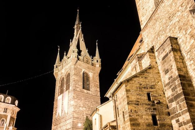 Torre jindrisska. torre gótica tardia, parte da igreja de st henry e st kunhuta