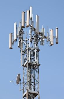 Torre repetidora de antena
