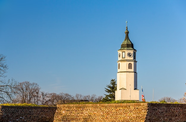 Torre sahat da fortaleza de belgrado na sérvia