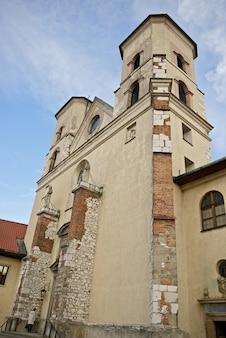 Torres da abadia em tyniec
