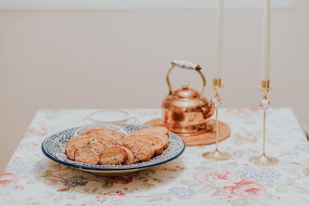Torrijas e caliente de chocolate na semana santa de españa