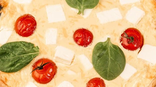 Torta caseira de espinafre quiche lorraine close-up