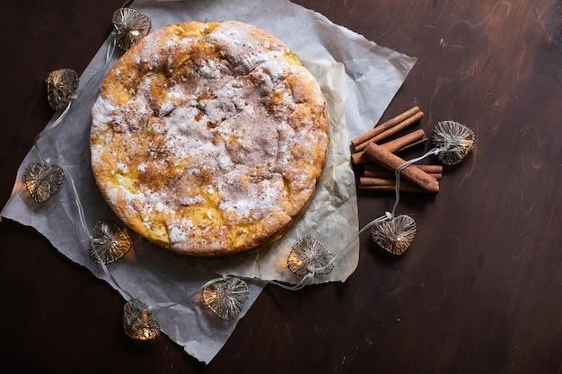 Torta caseira de maça e canela