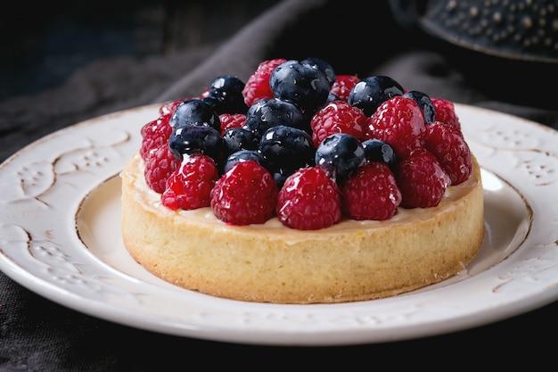Torta com frutas frescas