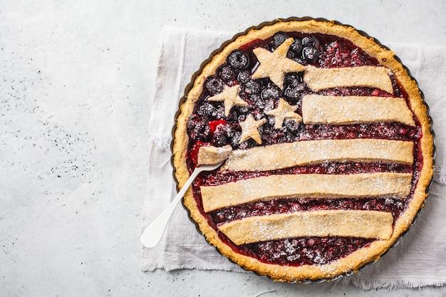 Torta da baga da bandeira americana, vista superior. conceito do dia da independência da américa.