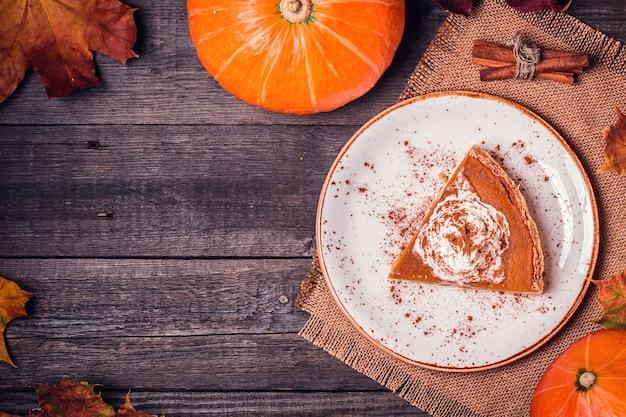 Torta de abóbora caseira para o dia de ação de graças
