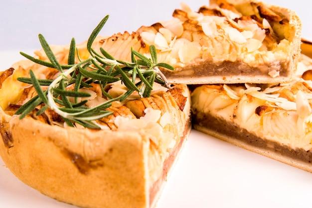 Torta de bolo com maçã e canela