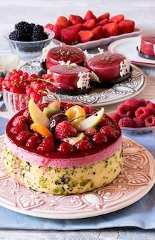 Torta de frutas frescas em placas