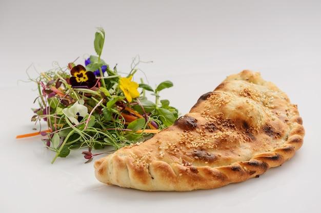 Torta de legumes italiana com verduras
