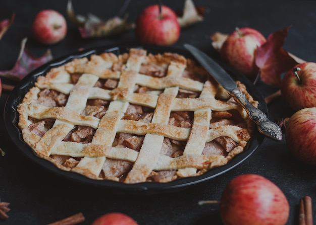 Torta de maçã americana tradicional para o dia de ação de graças