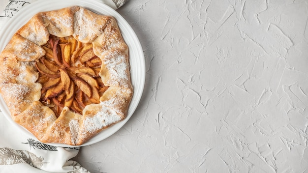 Torta de maçã caseira cópia espaço plano lay