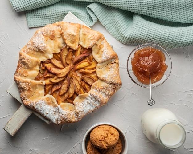 Torta de maçã caseira e geléia