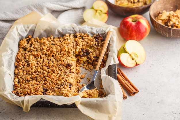 Torta do crumble da aveia de apple do outono.