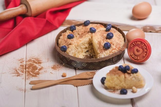 Torta doce de mirtilo com canela